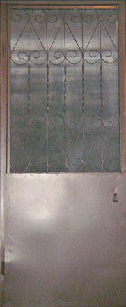 Модель СПЕЦ-2  Дверь с  решёткой