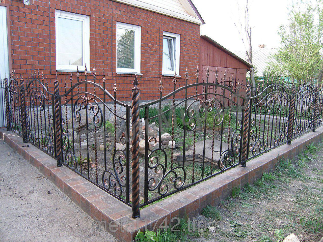 Забор перед домом своими руками фото 29